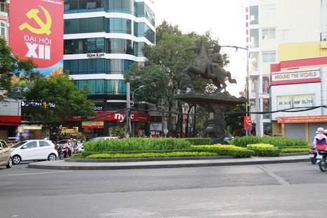 Phố Sài Gòn lãng mạn ngày đầu năm - ảnh 19