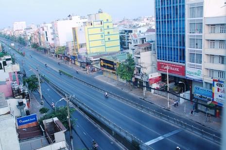 Phố Sài Gòn lãng mạn ngày đầu năm - ảnh 8