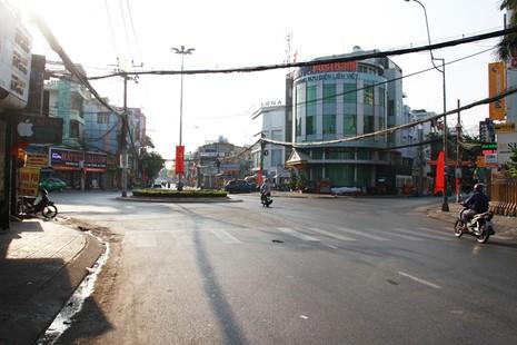 Phố Sài Gòn lãng mạn ngày đầu năm - ảnh 12