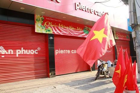 Phố Sài Gòn lãng mạn ngày đầu năm - ảnh 15
