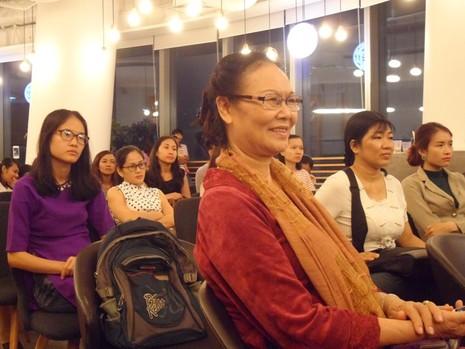 'Phụ nữ Miến Điện không xức nước hoa mà cài hoa trên đầu' - ảnh 2