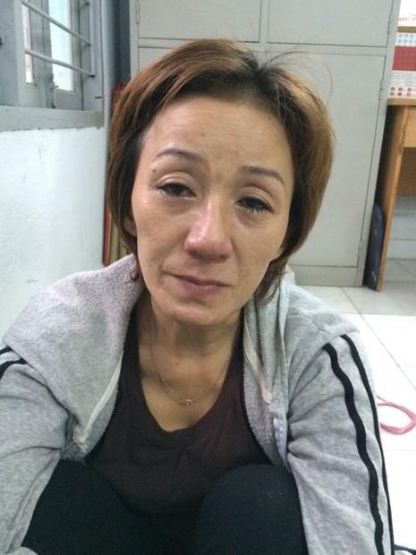 Một phụ nữ buôn ma túy 'găm' đạn, mã tấu trong nhà - ảnh 1