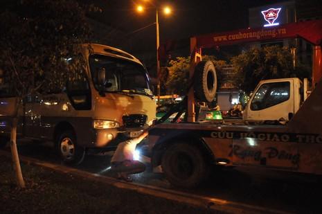 Tài xế chạy ngược chiều gây tai nạn đêm khuya  - ảnh 1