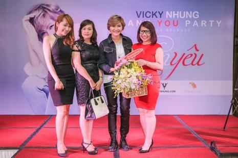 Đàm Vĩnh Hưng hào hứng khi biết Vicky Nhung 'Thèm yêu' - ảnh 7