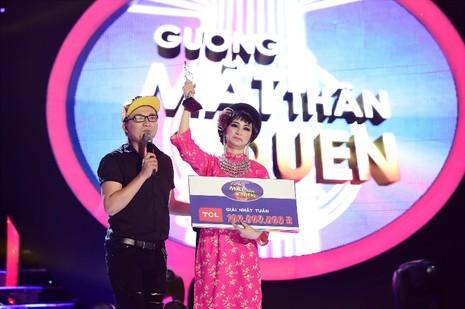 Hòa Minzy hát cải lương cực ngọt khiến Hoài Linh ngỡ ngàng - ảnh 9