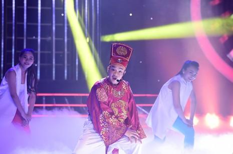 Hòa Minzy hát cải lương cực ngọt khiến Hoài Linh ngỡ ngàng - ảnh 4