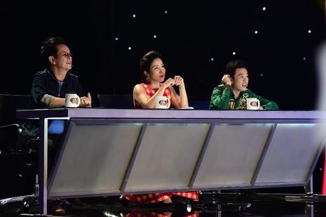 Hòa Minzy hát cải lương cực ngọt khiến Hoài Linh ngỡ ngàng - ảnh 2