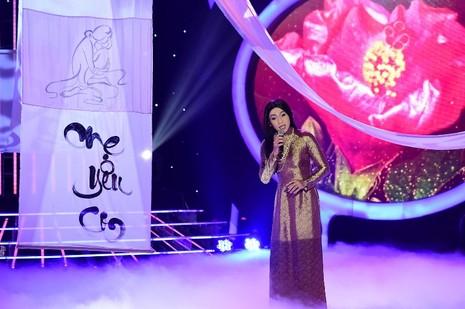 Phan Ngọc Luân giả gái, múa lụa 'qua mặt' Hòa Minzy - ảnh 8