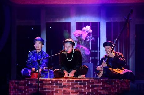 Hòa Minzy hóa Sơn Tuyền 'giống quá', Hoài Linh chỉ biết... cười  - ảnh 6