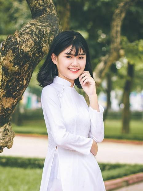 Nữ sinh Quốc học Vinh cực xinh trong tà áo trắng - ảnh 2