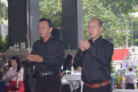 Bí thư Thăng đến viếng PGS-nhạc sỹ Ca Lê Thuần - ảnh 10