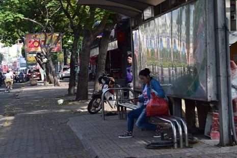 Sài Gòn thênh thanh, bình lặng trong sáng đầu năm - ảnh 5