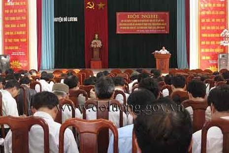 Kỷ luật 3 lãnh đạo huyện vì…'không ngồi được với nhau' - ảnh 1