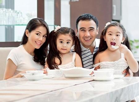 Gia đình hạnh phúc của MC Quyền Linh