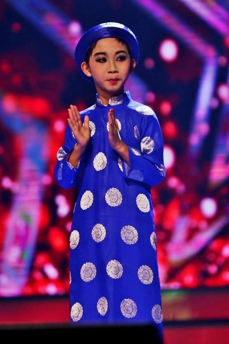 Cậu bé giả gái Đức Vĩnh đăng quang Got Talent