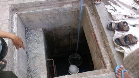 Truy trách nhiệm vụ lọt cống ở phố đi bộ Nguyễn Huệ - ảnh 1