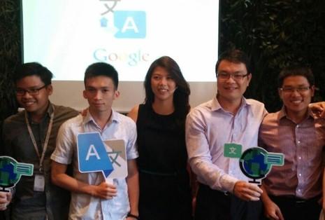 """Sophie Trần (đứng giữa) tại buổi giới thiệu dự án """"Yêu lắm tiếng Việt ơi!"""" - Ảnh: Đ.Thiện"""