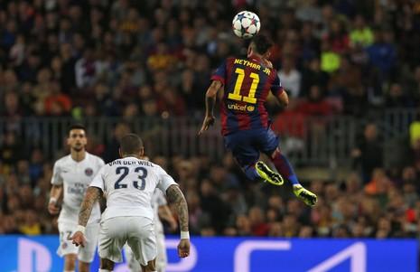 Barcelona thắng PSG 2-0: Neymar có cú đúp nhưng ngôi sao là Iniesta - ảnh 2