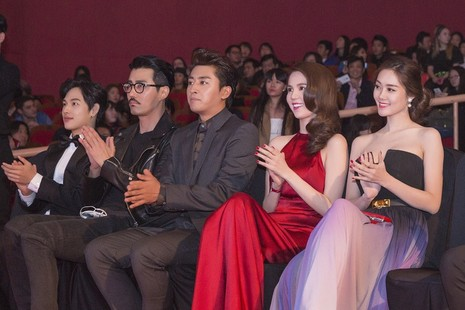Ngọc Trinh nhận danh hiệu 'Nữ hoàng bikini châu Á' - ảnh 8