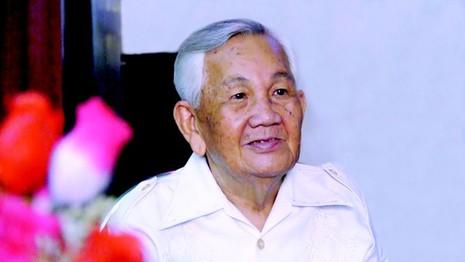 """""""Tư Ếch"""" Văn Hường bồi hồi tái ngộ đồng nghiệp"""