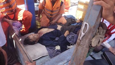 Tàu cá bị đâm chìm: 1 người tử vong, 3 người bị thương nặng - ảnh 1