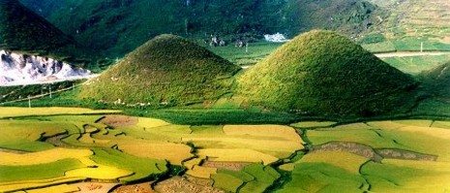 Núi đôi Việt Nam (Hà Giang)