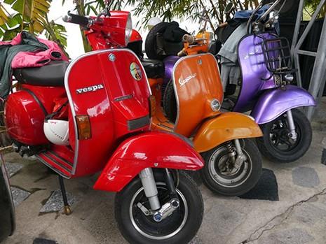 Gần 300 xe Vespa cổ tham dự Festival biển Nha Trang - 2015 - ảnh 3