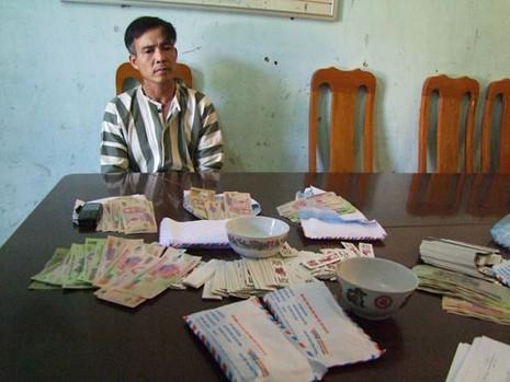 Ông lão gần 90 tuổi bị bắt vì đánh bạc - ảnh 2