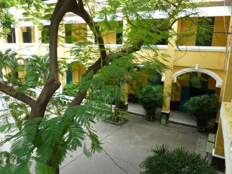 THPT Trưng Vương - ngôi trường cổ kính đầy thơ mộng - ảnh 7
