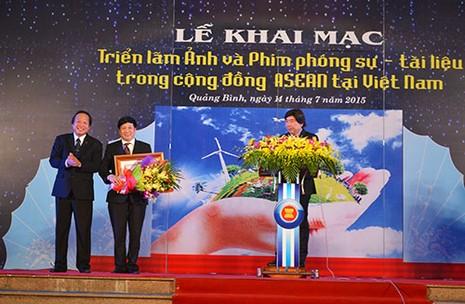 Triển lãm Ảnh và Phim phóng sự - Tài liệu trong cộng đồng ASEAN - ảnh 4
