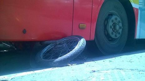 Tài xế xe buýt ngủ gật gây tai nạn ? - ảnh 2