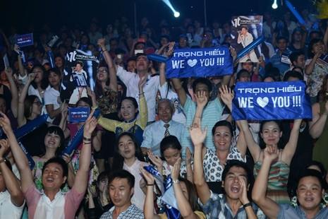 Trọng Hiếu rơi nước mắt khi đăng quang ở Vietnam Idol