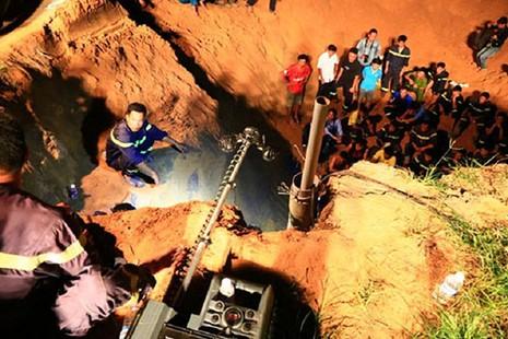 Vụ bé gái rơi xuống giếng sẽ truy cứu trách nhiệm của chủ giếng - ảnh 2