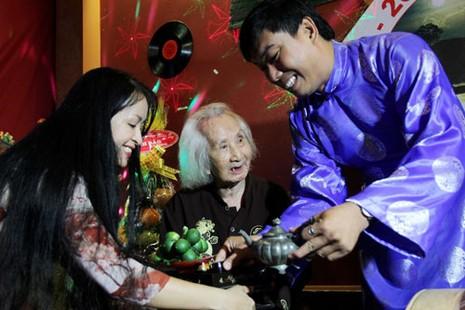 Nhạc sư Vĩnh Bảo đờn xuất thần trong đêm mừng thọ 98 tuổi - ảnh 3