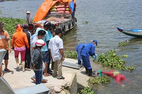 Tìm thấy thi thể người phụ nữ nhảy sông Sài Gòn - ảnh 1