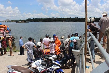 Tìm thấy thi thể người phụ nữ nhảy sông Sài Gòn - ảnh 3