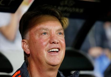 Sau khi đòi hôn Depay, Van Gaal làm gì với Rooney? - ảnh 1