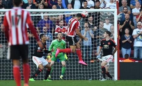 Martial toả sáng, MU thắng kịch tính (3-2) trước Southampton - ảnh 1
