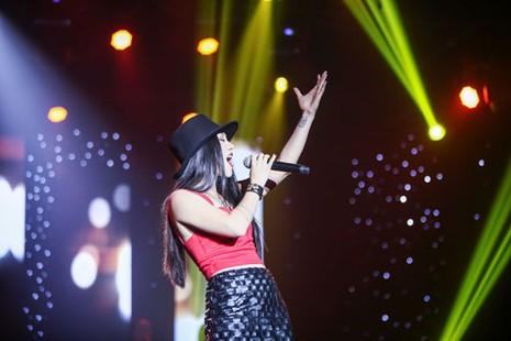 'Về với đông' giúp Nhật Thủy đoạt cú đúp Bài hát Việt - ảnh 8