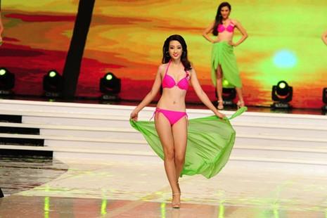 Phạm Thị Hương lên ngôi Hoa hậu Hoàn vũ 2015 - ảnh 31