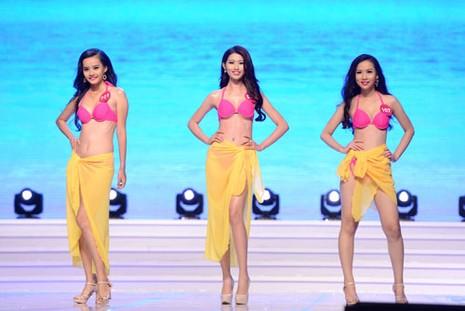 Phạm Thị Hương lên ngôi Hoa hậu Hoàn vũ 2015 - ảnh 34
