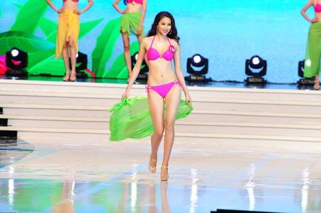 Phạm Thị Hương lên ngôi Hoa hậu Hoàn vũ 2015 - ảnh 6