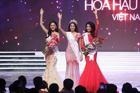 Phạm Thị Hương lên ngôi Hoa hậu Hoàn vũ 2015 - ảnh 1