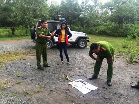 Phát hiện một thi thể bị phân hủy trên sông Phước Long - ảnh 2