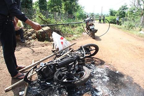 Nghi án hai thanh niên trộm chó bị đánh chết, đốt xe - ảnh 2