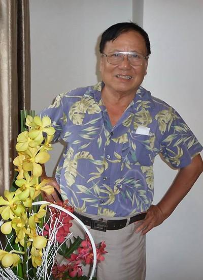 Nhà văn Nhật Tuấn