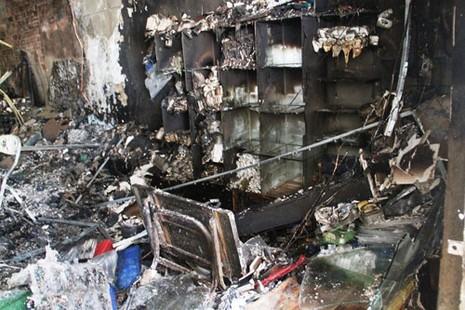 Cháy lớn cửa hàng điện thoại - ảnh 5
