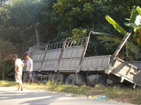 Xe tải cán khiến một phụ nữ tử vong tại chỗ - ảnh 1