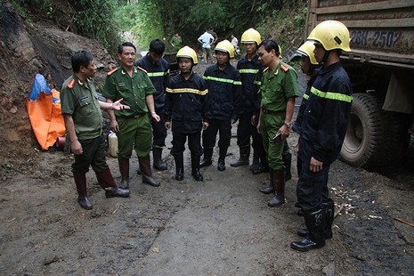 Công tác tìm kiếm nạn nhân trong vụ sập hầm gặp nhiều khó khăn - ảnh 2