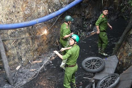 Công tác tìm kiếm nạn nhân trong vụ sập hầm gặp nhiều khó khăn - ảnh 3
